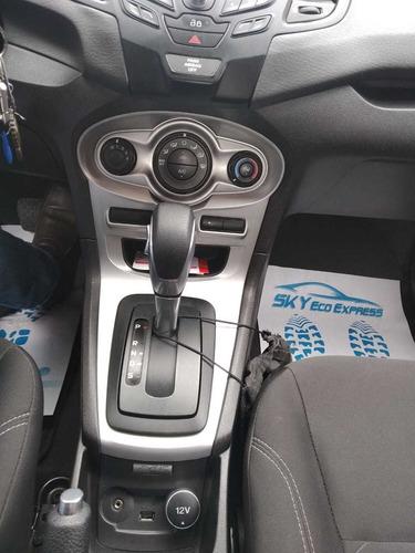 ford fiesta automático en excelentes condiciones