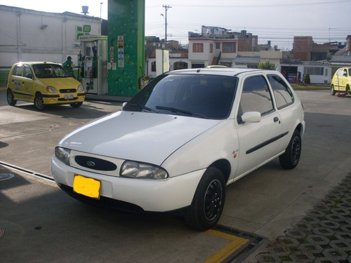 ford fiesta coupe 2000 1.3 full inyection