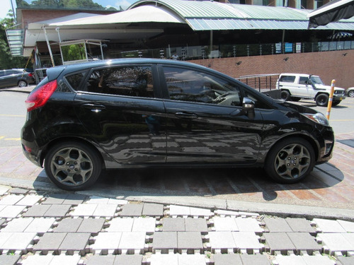 ford fiesta hatchback titanium cc 1600 mt