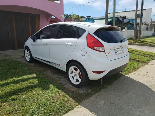 ford fiesta kinect 2015