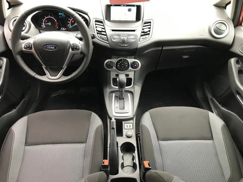 ford fiesta kinetic 1.6 se at