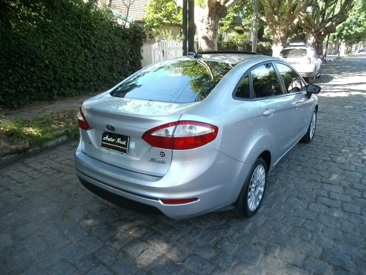 Ford Fiesta Kinetic Se Plus Powershift Anticipo  220 000 -