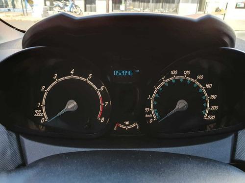 ford fiesta kinetic con solo 52800km permuto  dinoautomovile