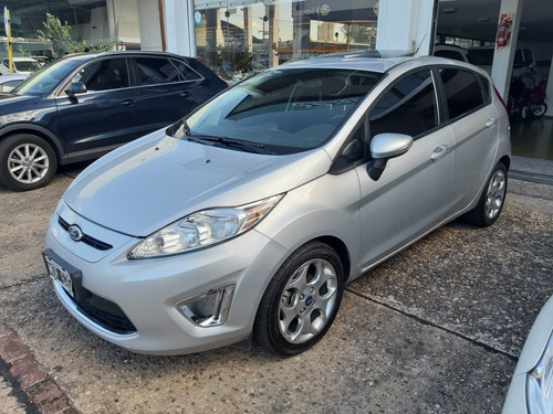 ford fiesta kinetic design 1.6 60000km titanium 2013