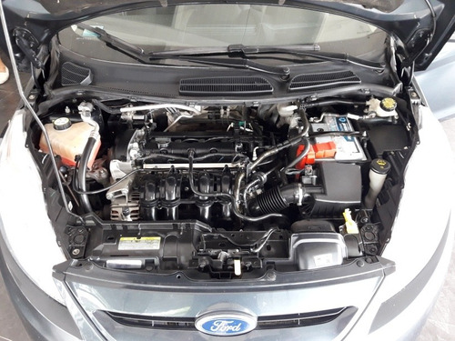 ford fiesta kinetic design 1.6 design 120cv titanium 2011