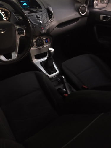 ford fiesta kinetic design 1.6 sedan se 120cv 2013