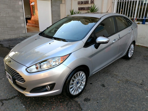 ford fiesta kinetic design 1.6 sedan se 120cv 2013