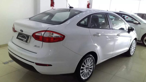 ford fiesta kinetic design 1.6 sedan se plus 120cv