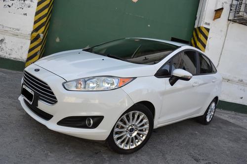 ford fiesta kinetic design 1.6 sedan se plus 2015