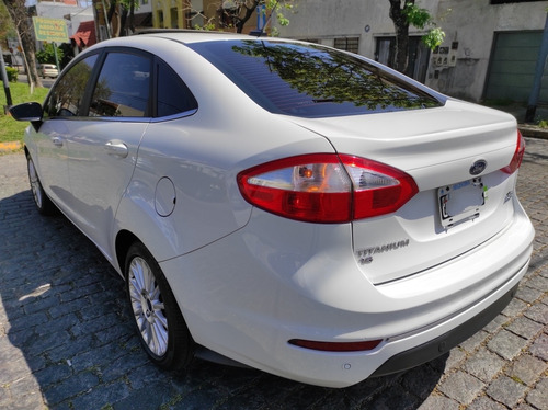 ford fiesta kinetic design 1.6 sedan titanium 120cv 2015