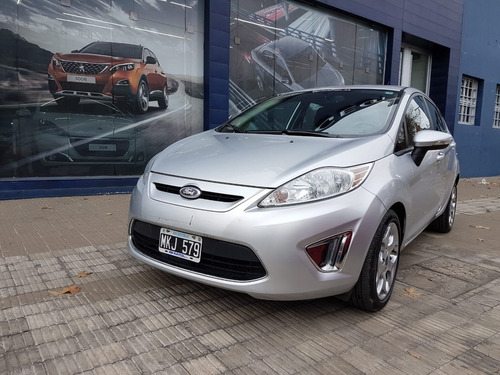 ford fiesta kinetic design titanium 2013 $275.000 prost