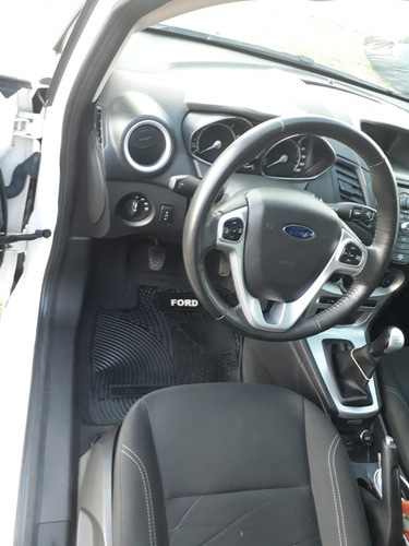 ford fiesta kinetic hatch 1.6 full