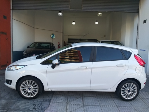 ford fiesta kinetic se plus 5 ptas! unica mano km 49000