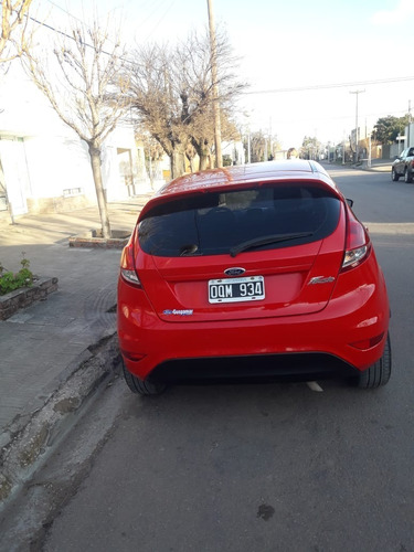 ford fiesta kinetic se plus impecable ingrassia