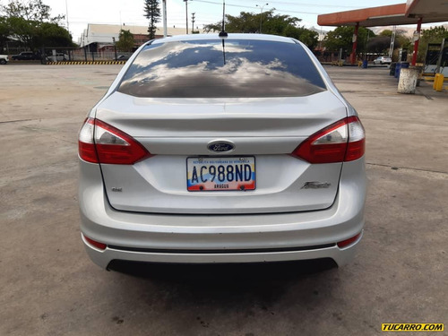 ford fiesta man sincronico