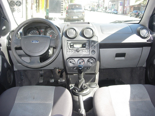 ford fiesta max 1.6 ambiente mp3 2007