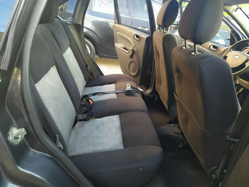 ford fiesta  max 1,6 ambiente mp3