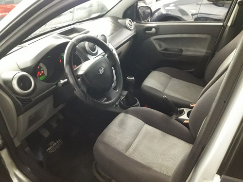 ford fiesta max 1.6l edge plus año 2007