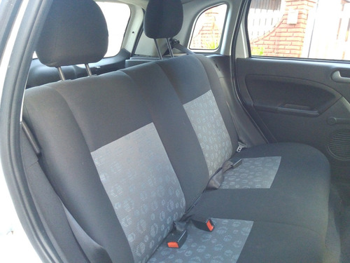 ford fiesta max ambient 5p 1.6 2013