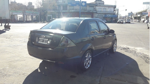ford fiesta max ambiente one
