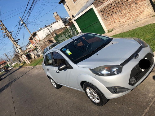 ford fiesta max one 1.6 ambiente plus