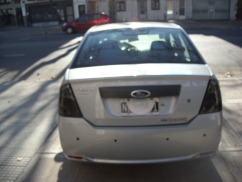 ford fiesta max one ambiente plus 2013