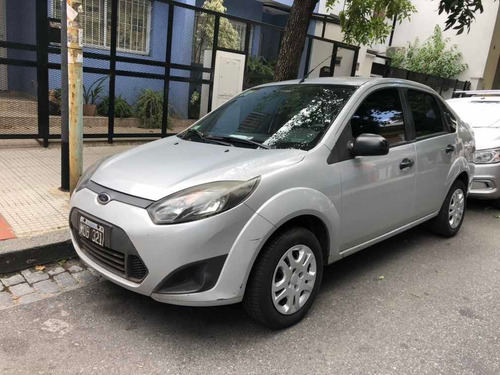 ford fiesta max one ambiente plus