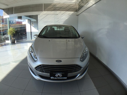 ford fiesta se sedan mt 2016