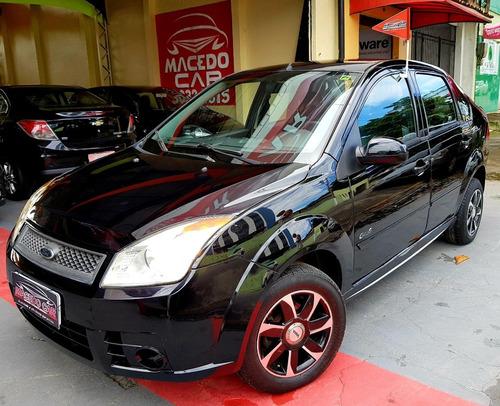 ford fiesta sedan 1.0 2010