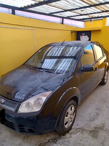 ford fiesta sedan 4 puertas