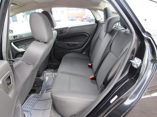 ford fiesta sedan  aut 2013