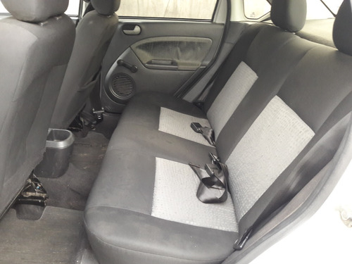 ford fiesta sedan class 1.6 8v flex