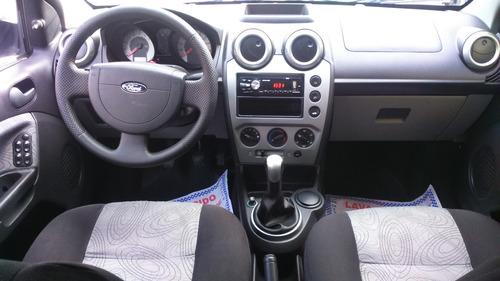ford fiesta sedan class 1.6 flex completo