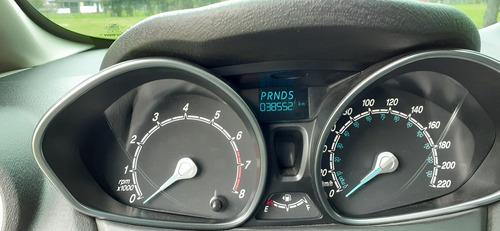 ford fiesta titanium  - motor 1.6cc - plata puro - 5 puertas