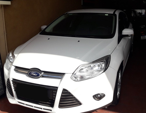 ford focus 1,6 4 ptas full impecable 2014