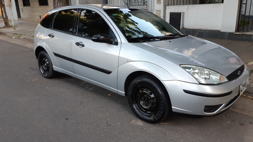 ford focus 1.6 ambiente (2004)