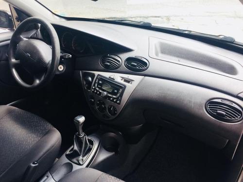 ford focus 1.6 glx sedan 8v flex 4p manual