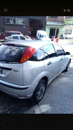 ford focus 1.6 nafta / gnc 5 puertas  2010 26606125