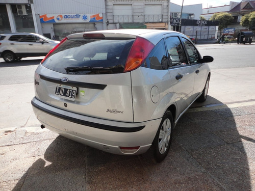 ford focus 1.6 one ambiente mp3 2010 gris impecable