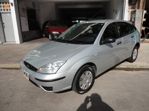 ford focus 1.6 one ambiente mp3 2010 gris plata