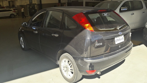 ford focus 1.6 one ambiente negro usado 2009 *
