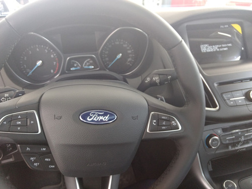 ford focus 1.6 s 100%