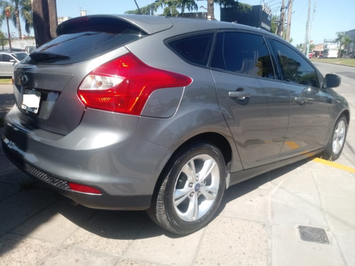 ford focus 1.6 s