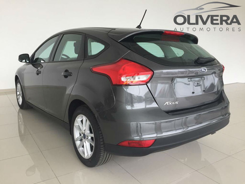 ford focus 1.6 s hatchback