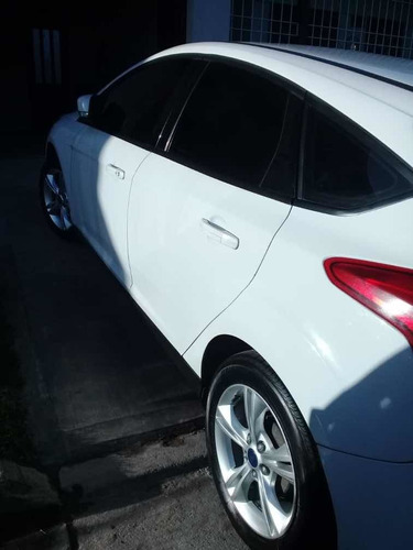 ford focus 1.6 sedan s