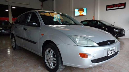 ford focus 1.8 16v edge security 5p 2004