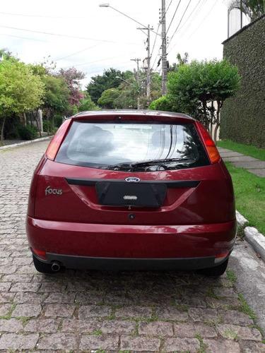 ford focus 1.8 5p ano 2003 mec. cor vermelha 136.000km novo