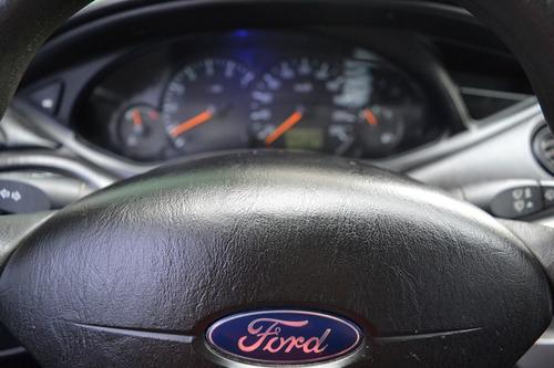 ford focus 1.8 edge 5puertas / unico dueño 104.000km