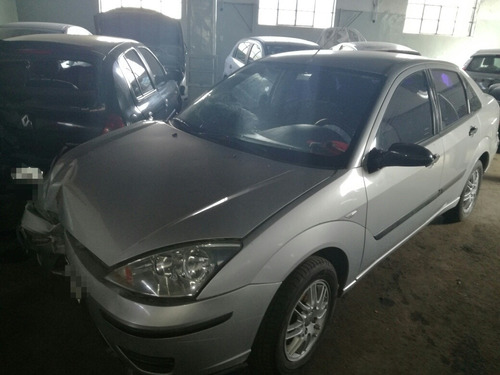 ford focus 1.8 tdci chocado