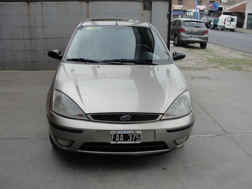 ford focus 2 0 ghia  full 5 puertas 2005 en excelente estado